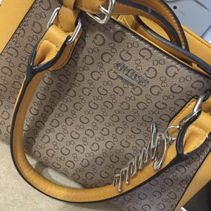 Guess puerse and Wallet for Sale in Phoenix, AZ