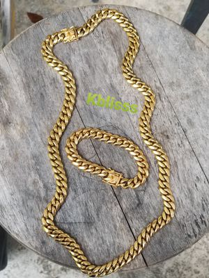 🔥🔥🔥14k Gold Plated Miami Cuban Link Chain and Bracelet Set....Available for Pick up or Delivery 🚚🚗 for Sale in Miami, FL