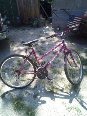 "Lady's 15 speed magna outreach 26"" mountain bike for Sale in Halstead, KS"