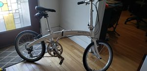 Dahon Mu P8 folding bike .. like new ! for Sale in Melbourne, FL