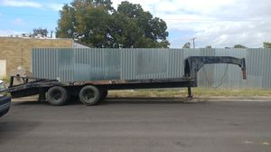 24' Gooseneck tandem trailer. have title. 20' deck 4' Dove fold down ramps for Sale in Arlington, TX