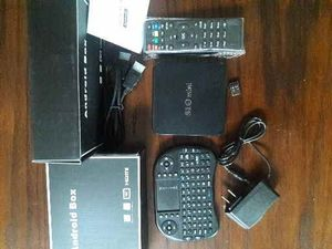 S10 Android Tv Box and Keyboard for Sale in Fort Lauderdale, FL