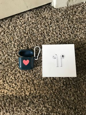 Air pods with a case for Sale in Forest Hill, TX