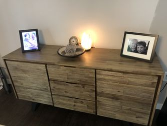 Brand New sideboard hutch for Sale in Coralville,  IA