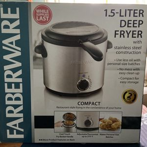 NEW Farberware Deep Fryer 1.5 L for Sale in Farmington, CT