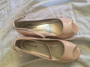 Girls dress shoes size 1 for Sale in Amarillo, TX