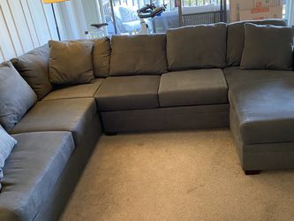 Large Grey Sectional Soffa for Sale in Marina del Rey,  CA