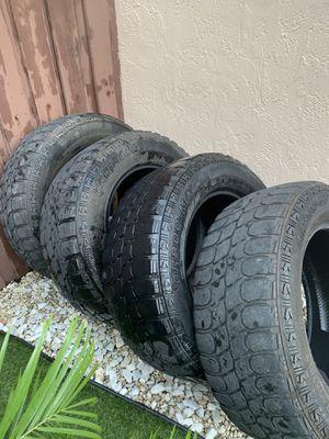 Tires 35x12.50r20 gladiator for Sale in Hialeah, FL