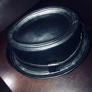 Black leather Top-hat for Sale in Nashville, TN