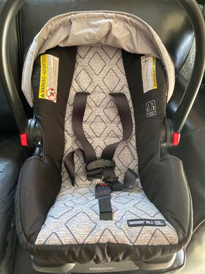 Graco infant car seat with base for Sale in Allentown, PA