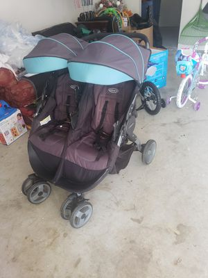Graco twin stroller for Sale in Conley, GA