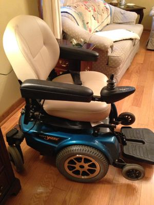 Power Wheelchair. Pride Jazzy 1122 for Sale in Crownsville, MD
