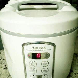 Aroma Professional 20 cup Capacity Rice Cooker ARC-2000A for Sale in Rockville, MD