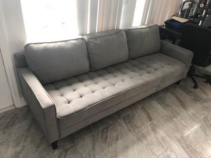 """City furniture grey couch 6 months old . 90 """" wide for Sale in Fort Lauderdale, FL"""