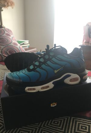 AIR MAX PLUS OG (size 11) for Sale in Germantown, MD