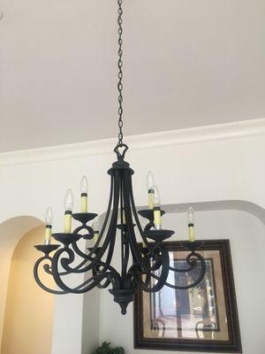 8 light chandelier for Sale in Tampa, FL