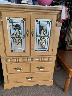 Free Dresser for Sale in Everett, MA