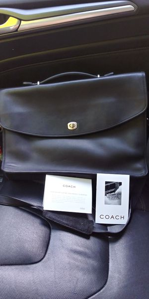 Coach messenger bag for Sale in Ridgefield, WA