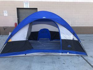 """6 person """"excellent condition"""" tent for Sale in Lynwood, CA"""
