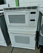 GE Microwave / conventional oven combo for Sale in San Diego, CA