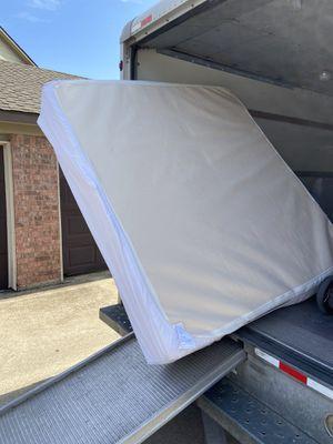"Zinus Memory Foam 12"" Mattress (King) for Sale in Mesquite, TX"