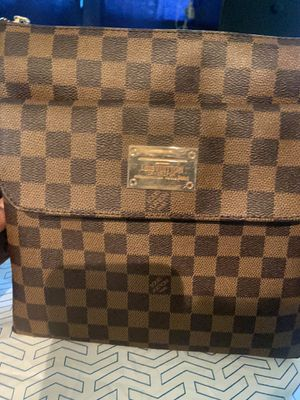 Louis Vuitton Messenger Bag for Sale in Long Beach, CA