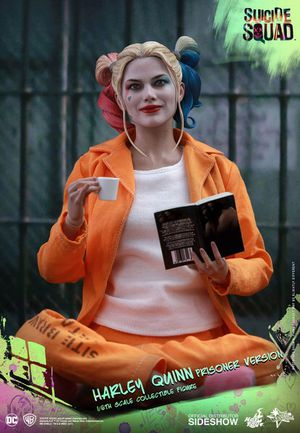 Hot Toys Harley Quinn Prisoner 1/6 scale Action Figure for Sale in Hayward, CA
