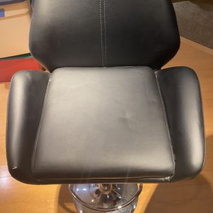 2 Bar Stools for Sale in Mansfield, NJ