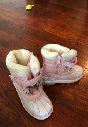 Snow boots Kids size 10 for Sale in Pittsburgh, PA