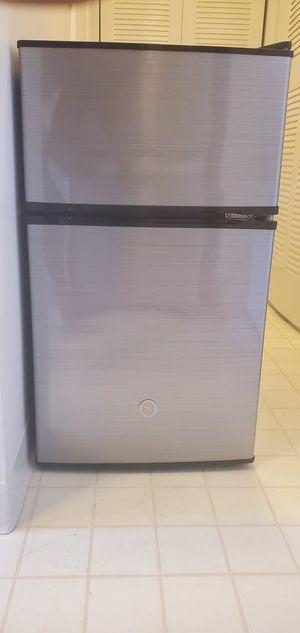 GE mini fridge/freezer for Sale in Winthrop, MA