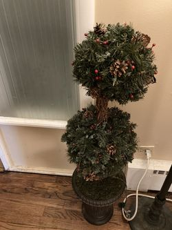 Holiday topiary tree for Sale in Hinsdale,  IL