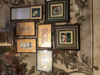 Accent decor pictures for Sale in Las Vegas,  NV
