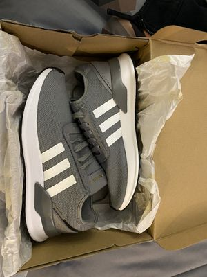 Men's adidas brand new size 9 for Sale in Ontario, CA