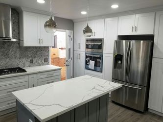 Kitchen cabinets for Sale in Garden Grove,  CA