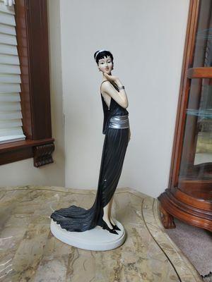 Vintage home decor statue for Sale in New Market, AL