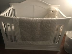 4-1 Convertible Baby Crib for Sale in LAKE CLARKE, FL