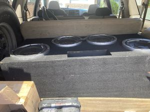 Speakers in box great condition $500 for Sale in NORTH DINWIDDIE, VA