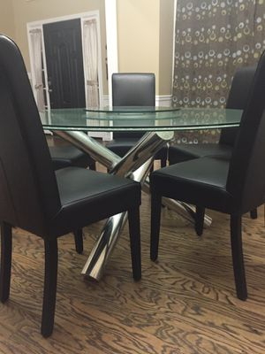 BOVA Dining table and 5 chairs for Sale in Dunwoody, GA