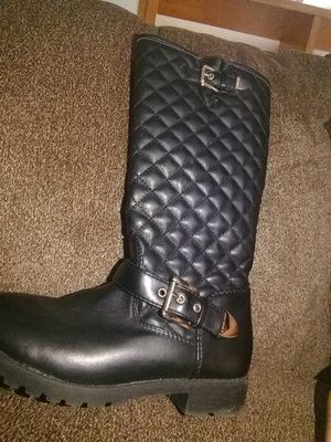 Michael kors girls boots size 4 for Sale in West Columbia, SC