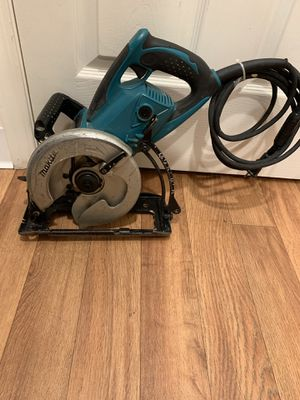 Malita circular saw. Great working condition. Brand new inner flange and outer flange. $$80 firm on price for Sale in Bellevue, WA