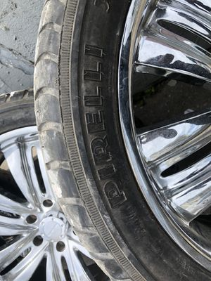 22 inch Chevy six lug rims for Sale in Needham, MA