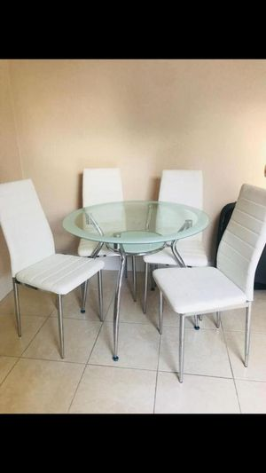 White Dining Room. New for Sale in Miami, FL