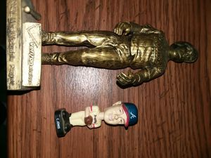 2 baseball statues collectible Ryan Howard Chipper Jones htf for Sale in Toms River, NJ