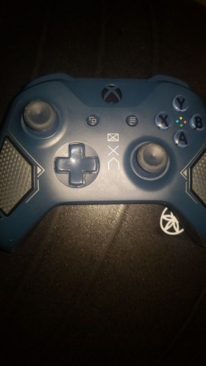 Xbox special edition controller for Sale in Philadelphia, PA