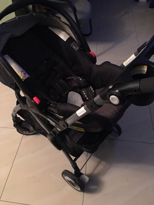 Graco Snugrider Elite Stroller and Car Seat with base for Sale in Miami Gardens, FL