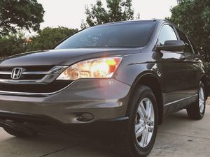 GOOD DEAL LOW MILES HONDA CRV 2010 KEYLESS ENTERY for Sale in Chandler, AZ