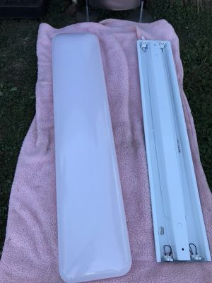 Fluorescent lights for Sale in Coraopolis, PA