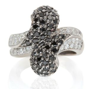 U7030 LADIES BLACK WHITE DIAMOND RING 0.75CT W GOLD BAND WEDDING for Sale in Los Angeles, CA