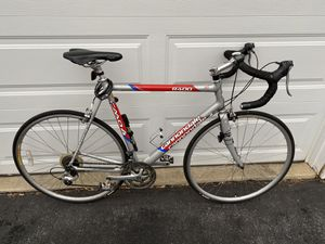 Cannondale Road Bike R400 CADD4 for Sale in Gaithersburg, MD