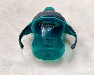 Tommee Tipper baby cup for Sale in Perris, CA